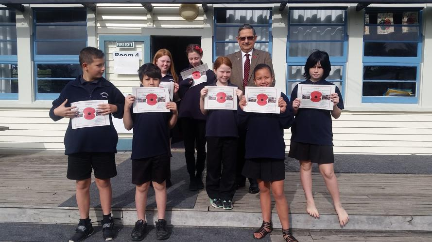 135 Remembrance Garden Featherston Students with their certificates